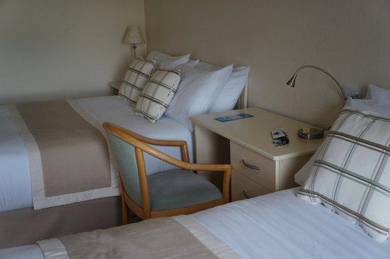 Allihies Seaview: the room