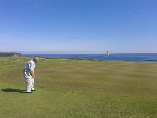 Cullen Golf Club: 2nd green
