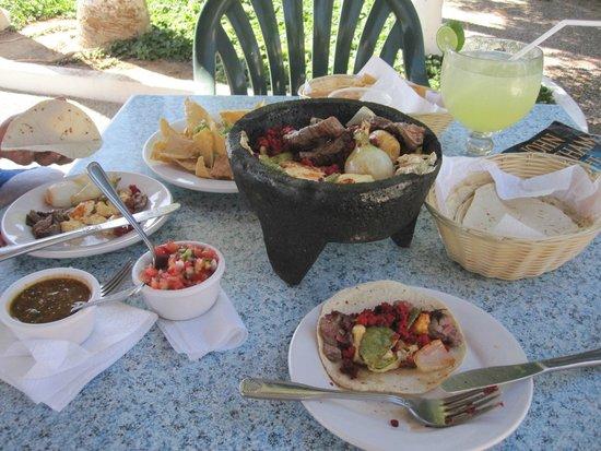 La Concha Beach Resort: Molcajete