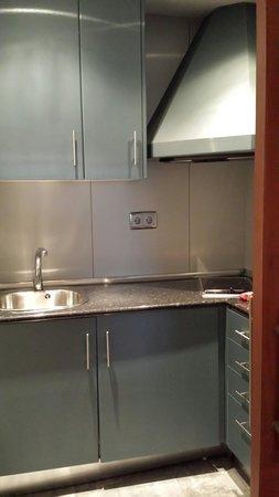 Geranios Suites & Spa Hotel: Kitchen