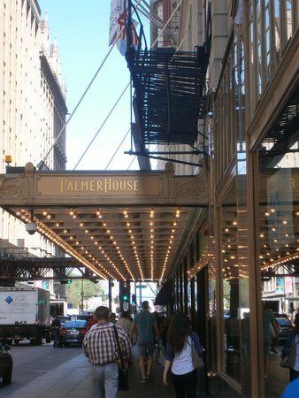 The Palmer House Hilton : Palmer House Entrance
