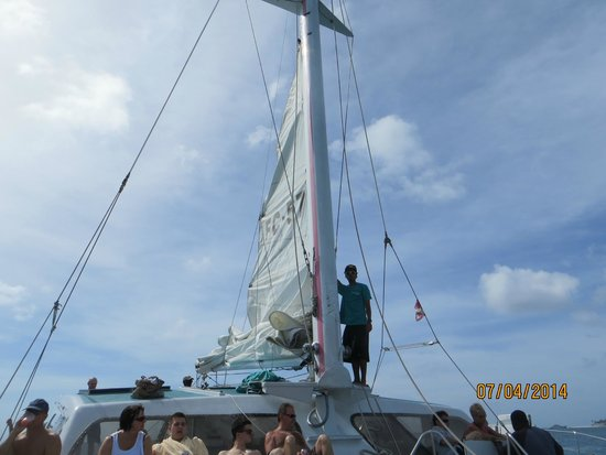 Flying Cloud: Putting up the sails