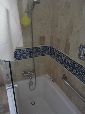 Grand Bahia Principe Tulum : shower