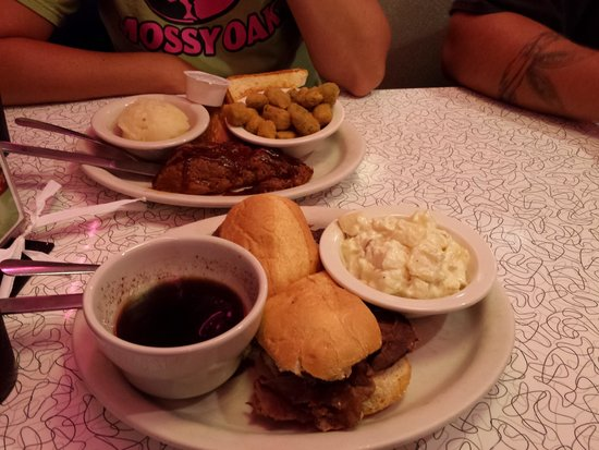 Mel's Classic Diner: Roast Beef Au jus
