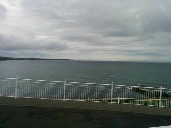 Dunmore House Hotel : Veiw out over the cost