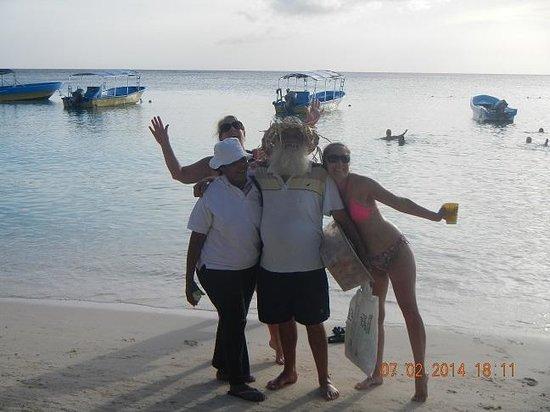 Bananarama Beach and Dive Resort: Banana Donut Man & Friends