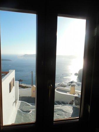 Mirabo Luxury Villas: the front window