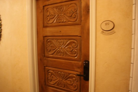 The Eagle Inn: Hotel room doors