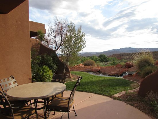 The Inn at Entrada: Outside patio