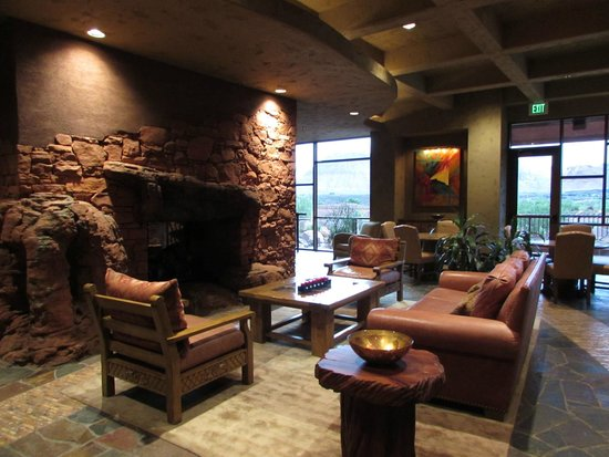 The Inn at Entrada: Clubhouse lobby