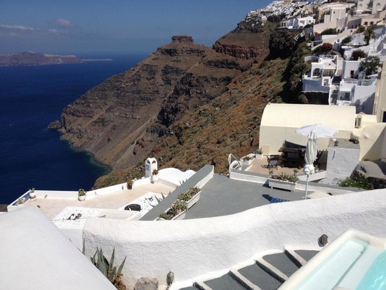 Mirabo Luxury Villas: view from the stairs