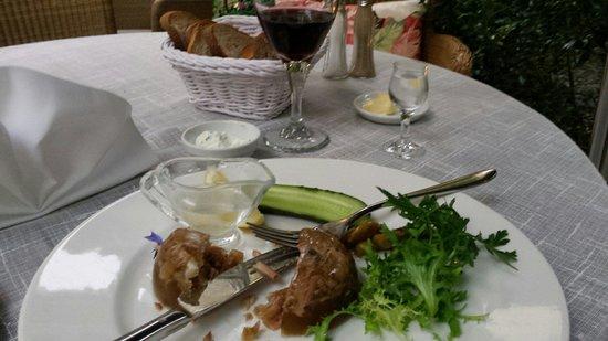 Polska Rozana: Le plat traditionnel (porc confit vinaigre blanc) avec son shot de vodka