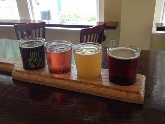 Superior Bathhouse Brewery & Distillery: Beer tasting