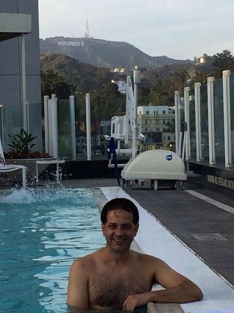 Loews Hollywood Hotel : Na piscina do hotel.