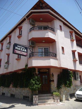 Hotel Nazar : entrance.