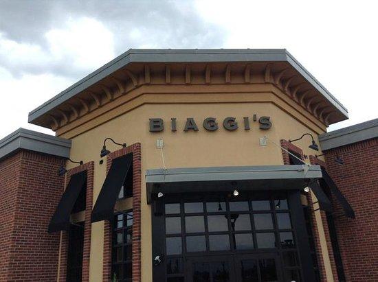 Biaggi's Italian: The outside