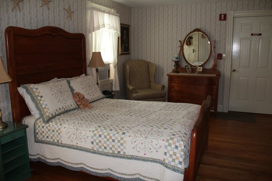 Morning Glory Bed & Breakfast: The Elizabeth Howe room