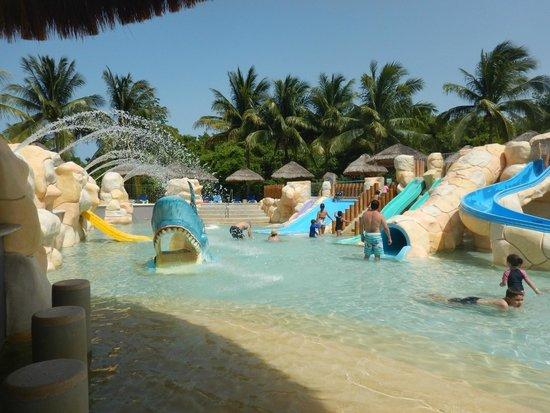 Sandos Caracol Eco Resort : kids water park