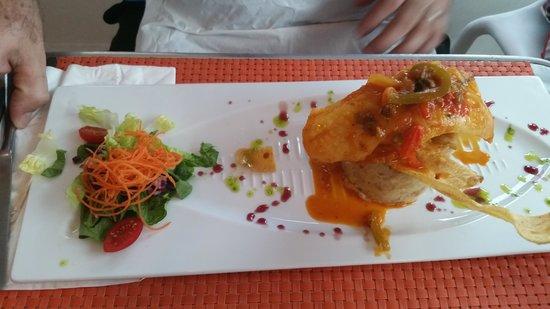 Di Yukas: mofongo de yuca con filete de pescado