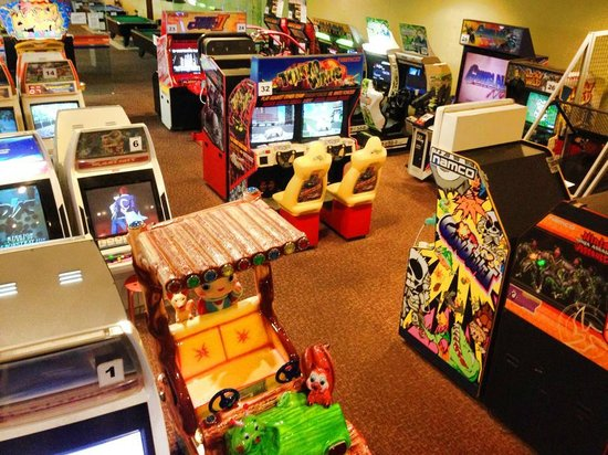 National Service Resort & Country Club: Arcade