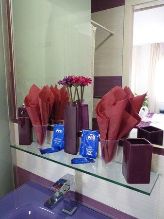 Hostal Alexis: produits d'accueil dans la salle de bain