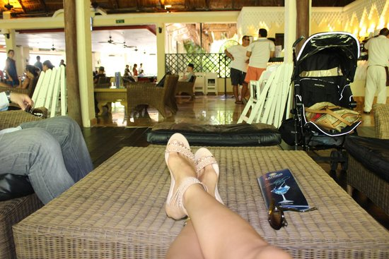 Sandos Caracol Eco Resort : Sports bar