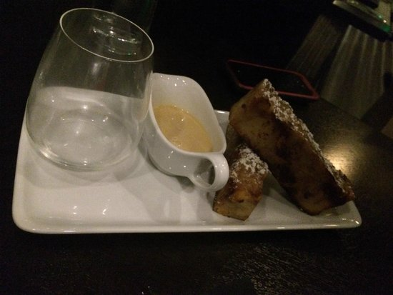Oliver's Prime Steakhouse: bread pudding