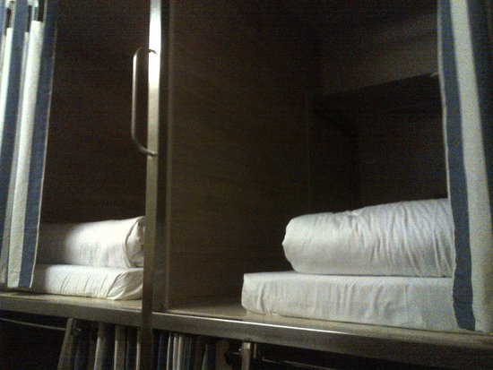 "Boxpackers Hostel: The ""pods"""