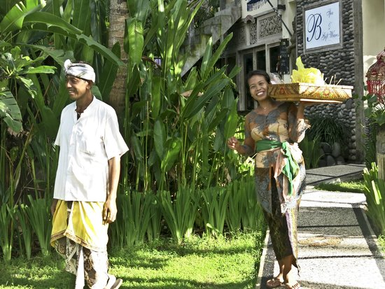 Bayshore Villas Candi Dasa: Beautiful smiling faces