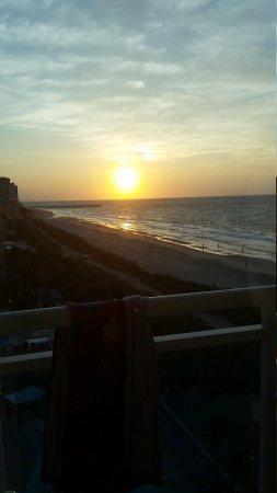 Captains Quarters Resort : sunrise From 9th