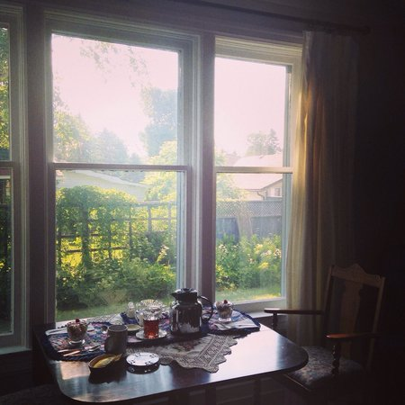 Wright House: Came down to a lovely table set for two beside the the window with a view of the yard.
