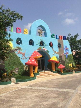 Sandos Caracol Eco Resort : kids club