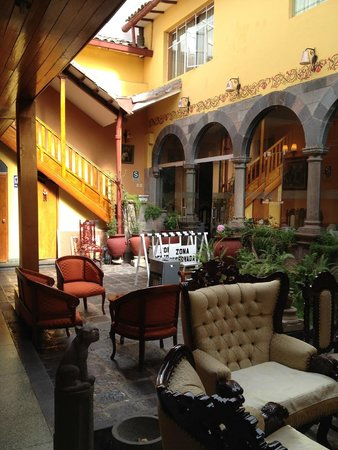 Hotel Rojas Inn: Common area