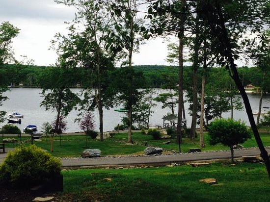 Woodloch Pines Resort: View from the Kranich House