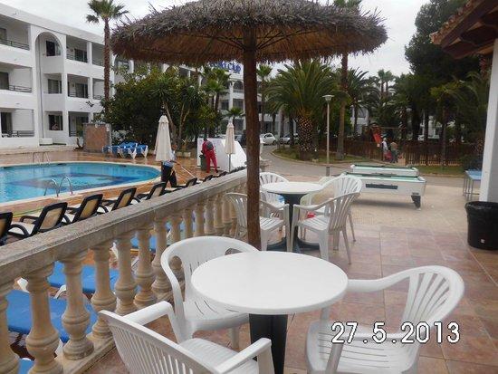 Aparthotel Pierre & Vacances Mallorca Cecilia : esplanada piscina