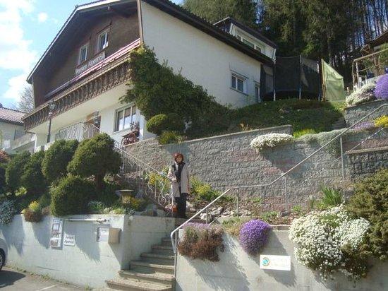 Pension Alpenrosli: A fachada