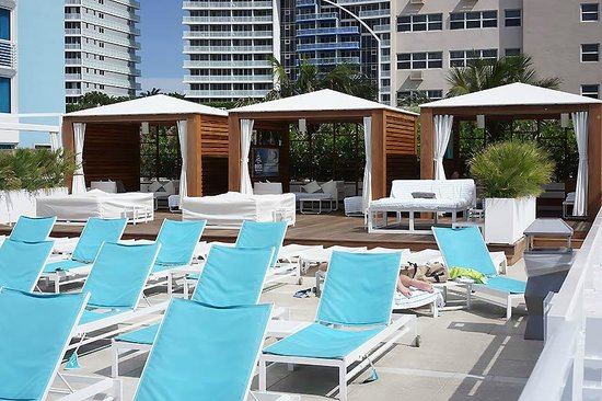 The Westin Beach Resort, Fort Lauderdale : Cabanas at the Pool