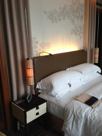 The St. Regis Osaka : Grand Deluxe King Room