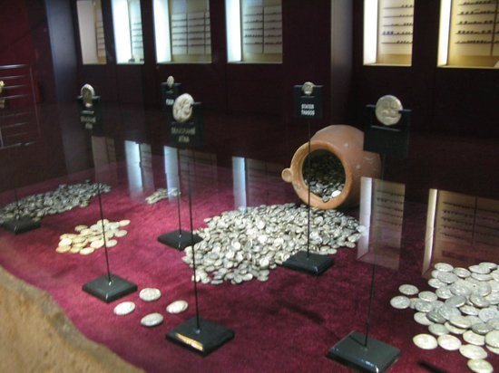 Antalya Muzesi : Unique displays of coins