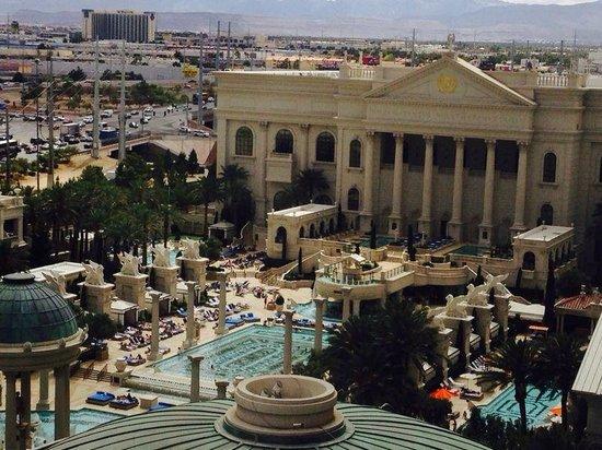 Caesars Palace: Vista do quarto que fiquei hospedado.