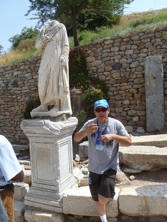 No Frills Ephesus Tours: Our guide in Ephesus