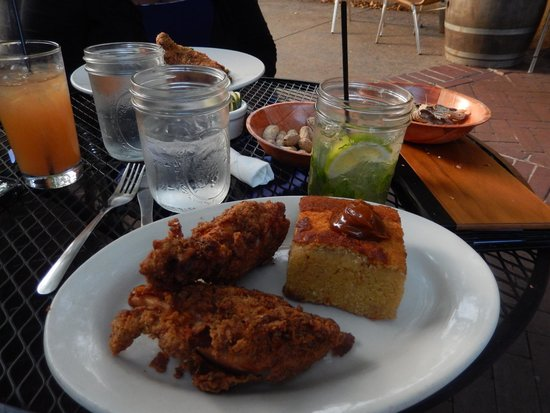 The Whiskey Jar: Dinner of fried chicken and cornbread