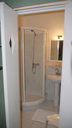 Hotel Central : Bathroom