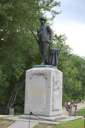 Monument at North Bridge