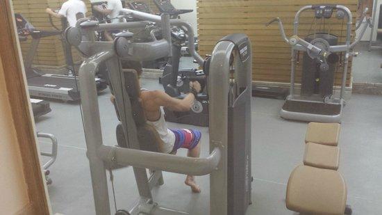 Crystal Palace Luxury Resort & Spa: Gym