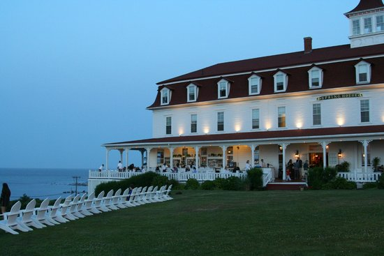 Spring House Hotel: Sit, have a drink, relax, and watch the sea
