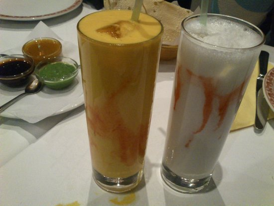 Gandhi Palace: Mango lassi, coconut lassi, papari and sauces