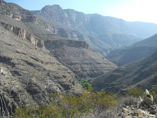 Oliver Lee Memorial State Park: dog canyon trail