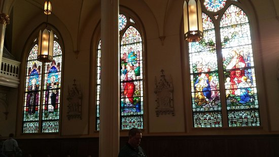 Cathedral of the Nativity of the Blessed Virgin Mary : Beautiful Windows