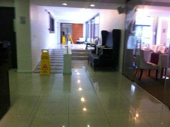After Hotel Montevideo: Ingreso